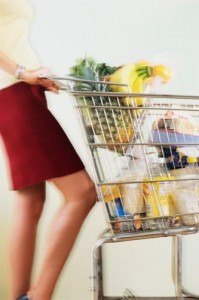 woman_pushing_shopping_cart